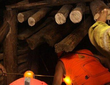 Wypadek w kopalni: 25-letni górnik wpadł między transportery