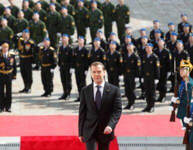 Miedwiediew na odchodne zdemokratyzował Rosję