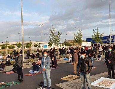 Muzułmanie potrzebowali przestrzeni do zbiorowych modłów. IKEA...