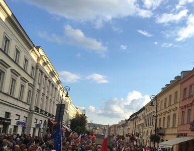 Liczebność marszu KOD znów problemem. Było 12 czy 30 tysięcy osób?