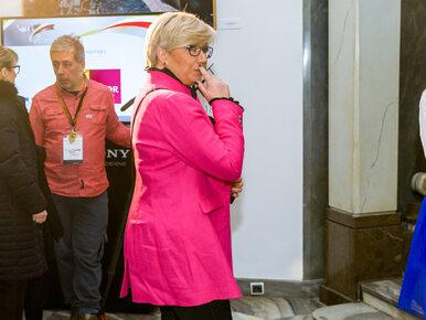 Prezes TK nie chciała rozmawiać z TVN, więc dziennikarze zaczepili ją na...