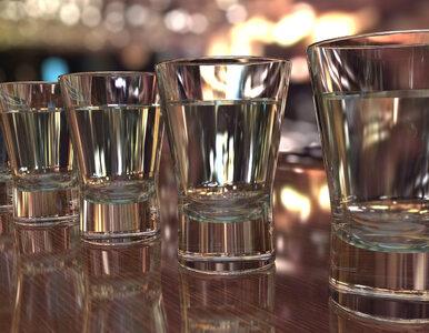 Skażony alkohol zabił w Wigilię 31 osób. 60 innych wciąż przebywa w...