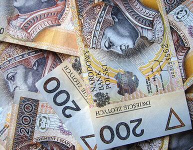 GUS: Polacy, zarabiacie więcej