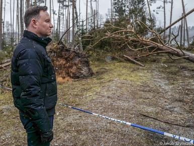 Andrzej Duda odwiedził tereny dotknięte sierpniową nawałnicą