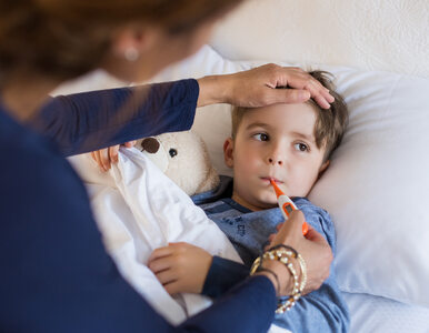 Gorączka u małych dzieci. Jak i kiedy ją zbijać?