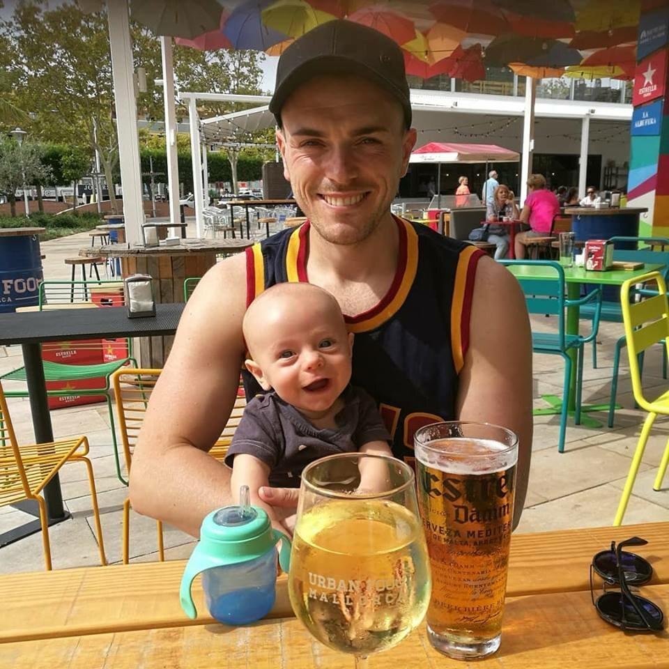 David Llewellyn z synem