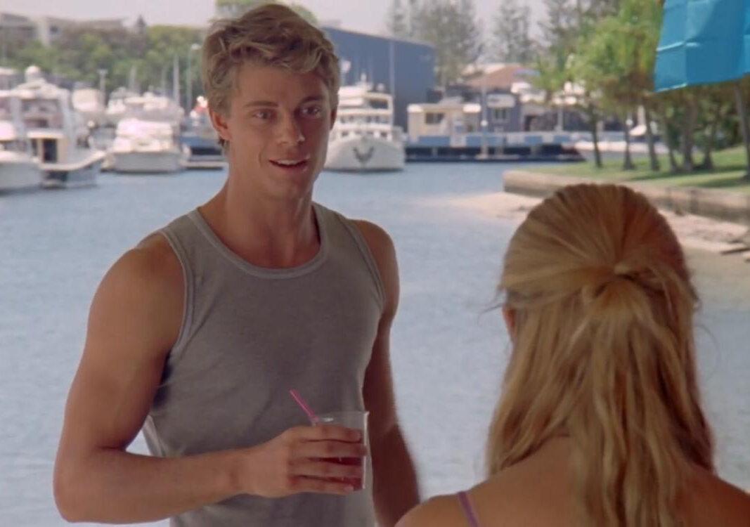 """Luke Mitchell jako Will w serialu """"H2O: Wystarczy kropla"""""""