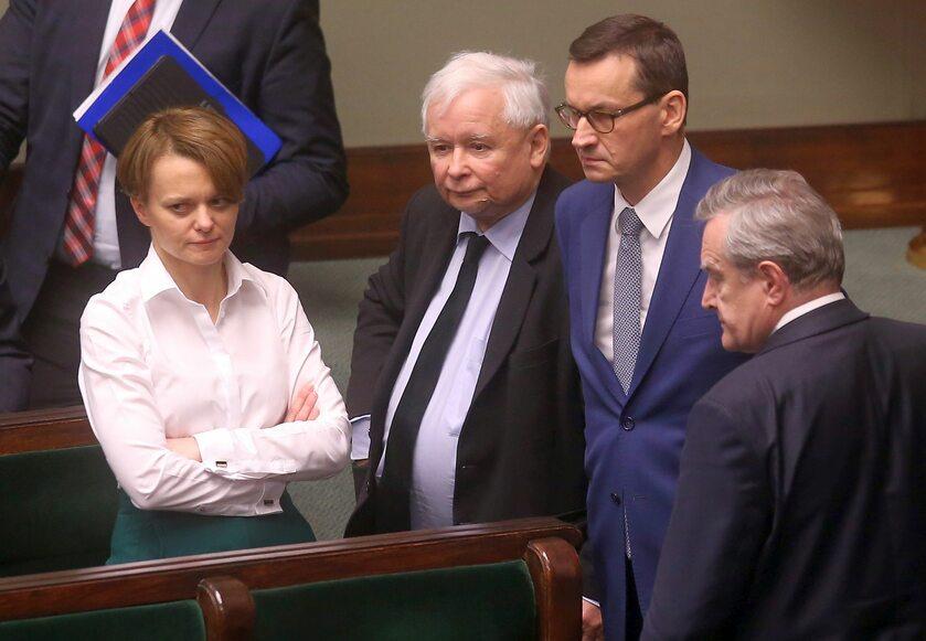 Od lewej: Emilewicz, Kaczyński, Morawiecki, Gliński