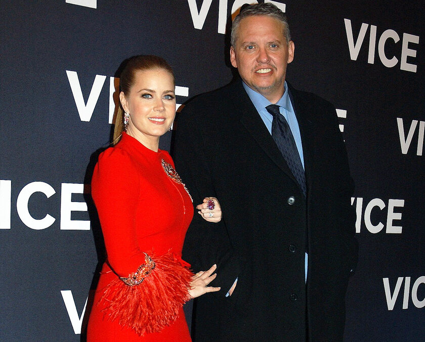 Amy Adams i Adam McKay