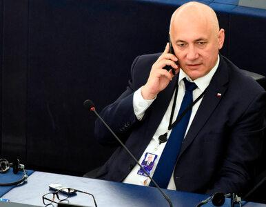 """Brudziński twierdzi, że """"Polska bez LGBT jest najpiękniejsza"""". Polityk..."""