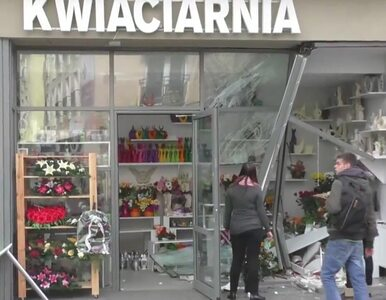 BMW wjechało do kwiaciarni we Włocławku