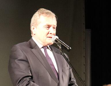 """Gliński udostępnił mem z Trzaskowskim i Tuskiem. """"Minister patokultury"""""""