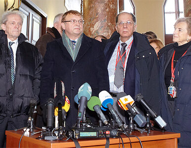 """""""Tymoszenko ma przepuklinę kręgosłupa"""""""