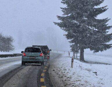 Uwaga, kierowcy! Śnieg i deszcz utrudniają jazdę