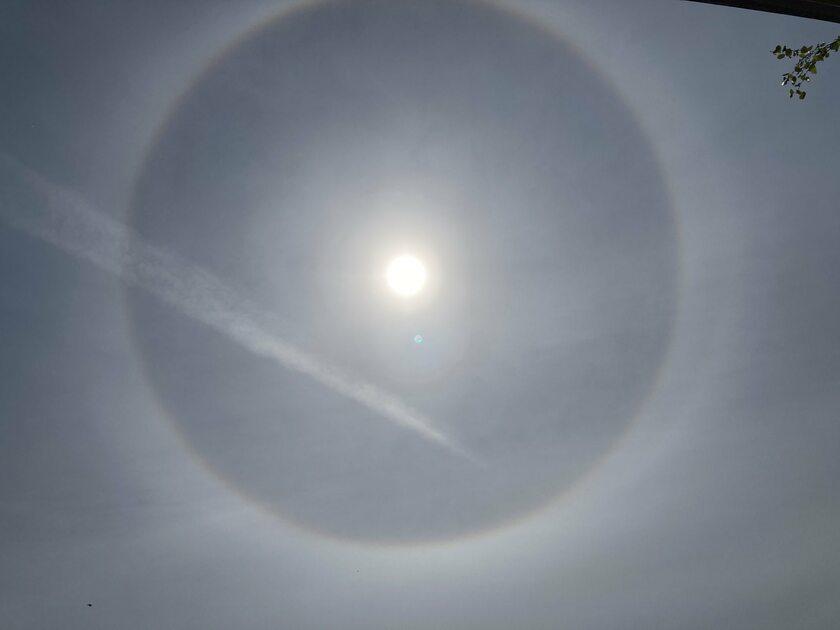 Efekt halo wokół Słońca