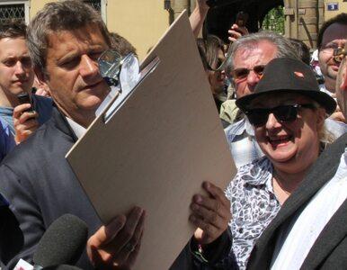 """""""Palikot leczy kompleksy zdjęciami Jana Pawła II. Wypraszam sobie"""""""