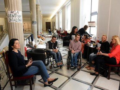 Opiekunowie niepełnosprawnych proponują nowy kompromis. Co na to rządzący?