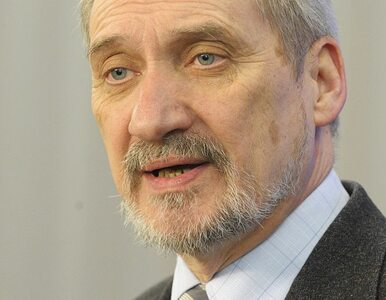 Macierewicz prezentuje raport: Smoleńsk to było gorzej niż zbrodnia