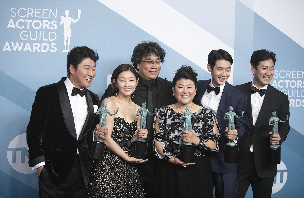 Song Kang Ho, So-dam Park, Bong Joon-ho, Jeong-eun Lee, Woo-sik Choi i Sun-kyun Lee