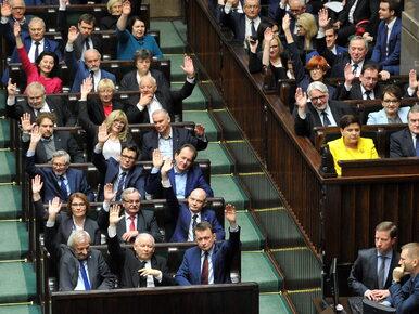 Sondaż IPSOS. Rekordowe poparcie dla PiS, pięć partii w Sejmie