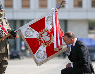 Andrzej Duda ponownie przejął zwierzchnictwo nad Siłami Zbrojnymi. Był...