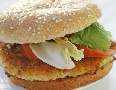 Wegańskie burgery i roślinne parówki na celowniku UE. Będzie zakaz?