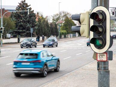 """Auto poinformuje o """"zielonej fali"""". Nowy system dla kierowców w korkach"""