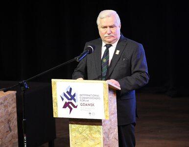 Wałęsa: Nieźle podrobili te papierki