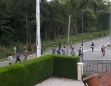 Zamieszki w Calais. Imigranci starli się między sobą, w ruch poszły kije...