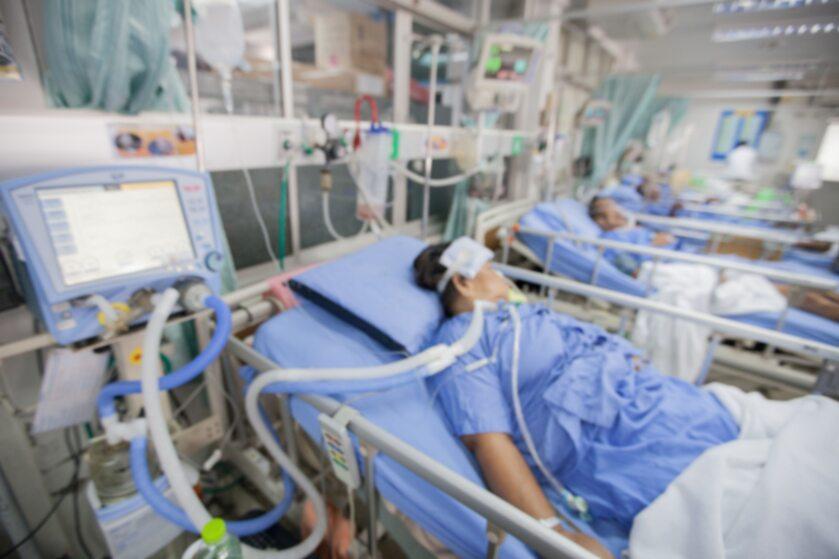 Pacjenci na oddziale intensywnej opieki medycznej zdj. ilustracyjne