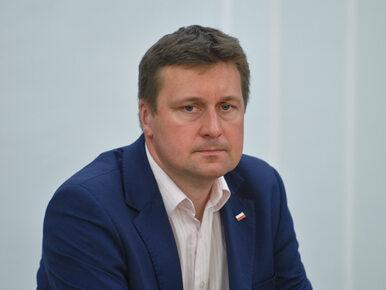 Polityk PiS pojawił się w Sejmie ze spuchniętym okiem. Co się stało?
