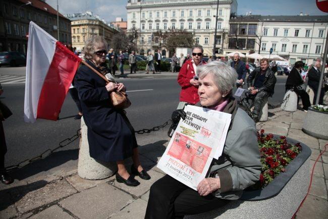 ...choć 21 kwietnia najważniejsza była dla nich TV Trwam (fot. PAP/Tomasz Gzell)